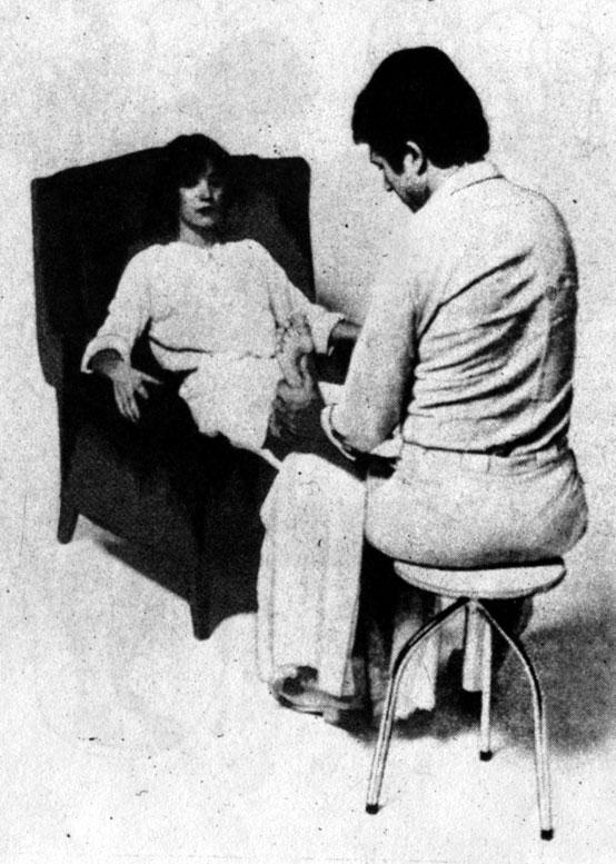 Пример массажа рефлекторных зон стопы