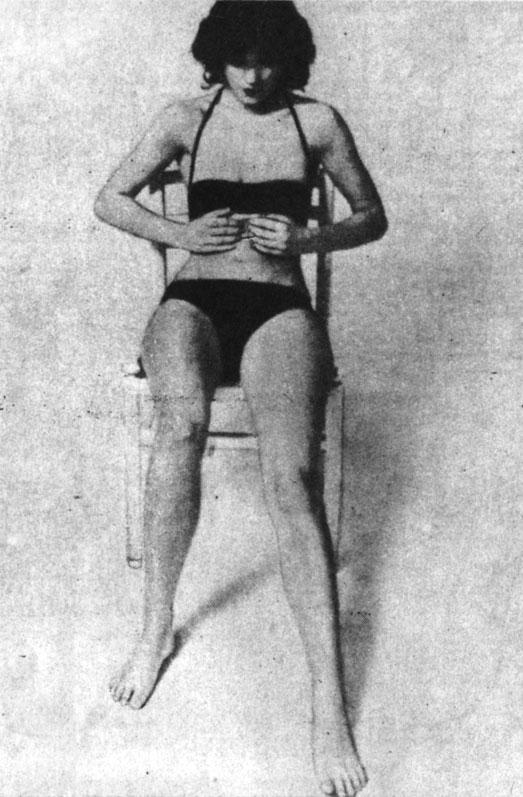 Поглаживающий массаж области желудка